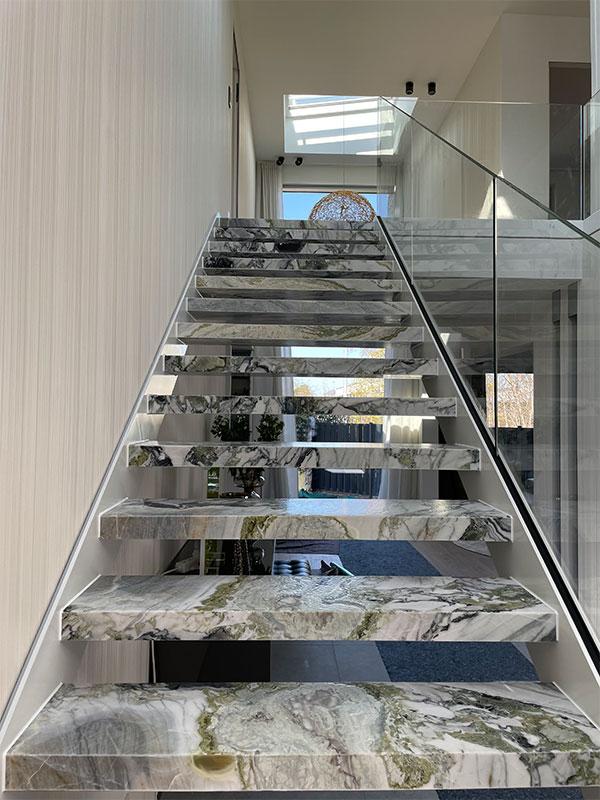 Fliesen-Beverungen-Treppe aus Stein
