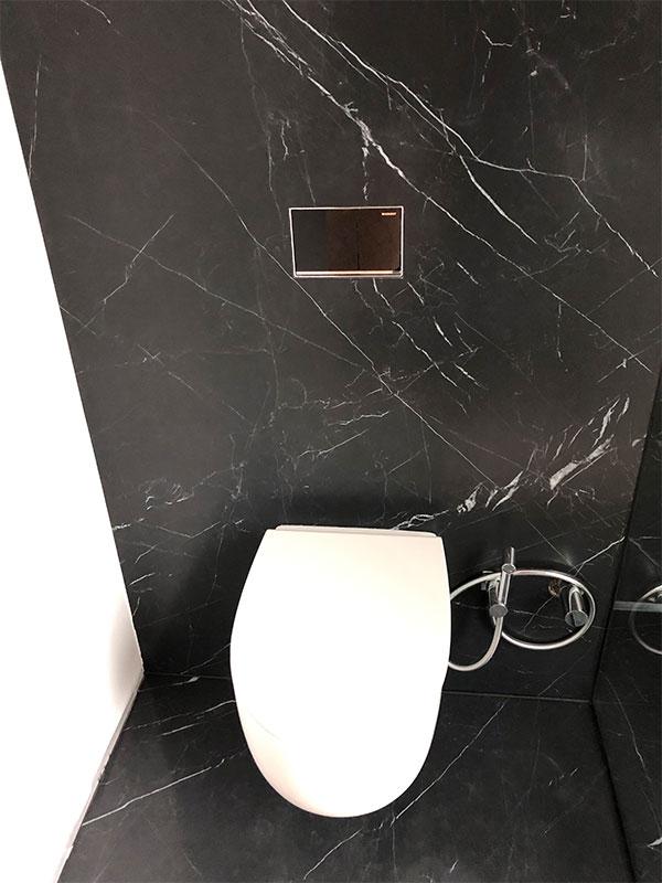 Fliesen Beverungen grossformatige Fliesen schwarz WC